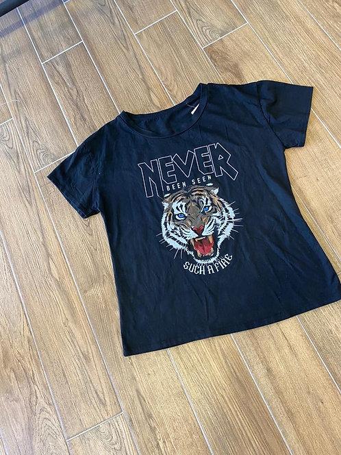 Top tigre noir
