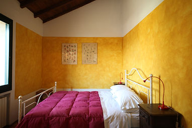 Le Chiusure, Fienile, double bedroom.JPG
