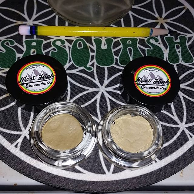 #goldenstrawberries #siftrosin on left #sunsetsherbert #liverosin on right #mosthighconcentrates #or