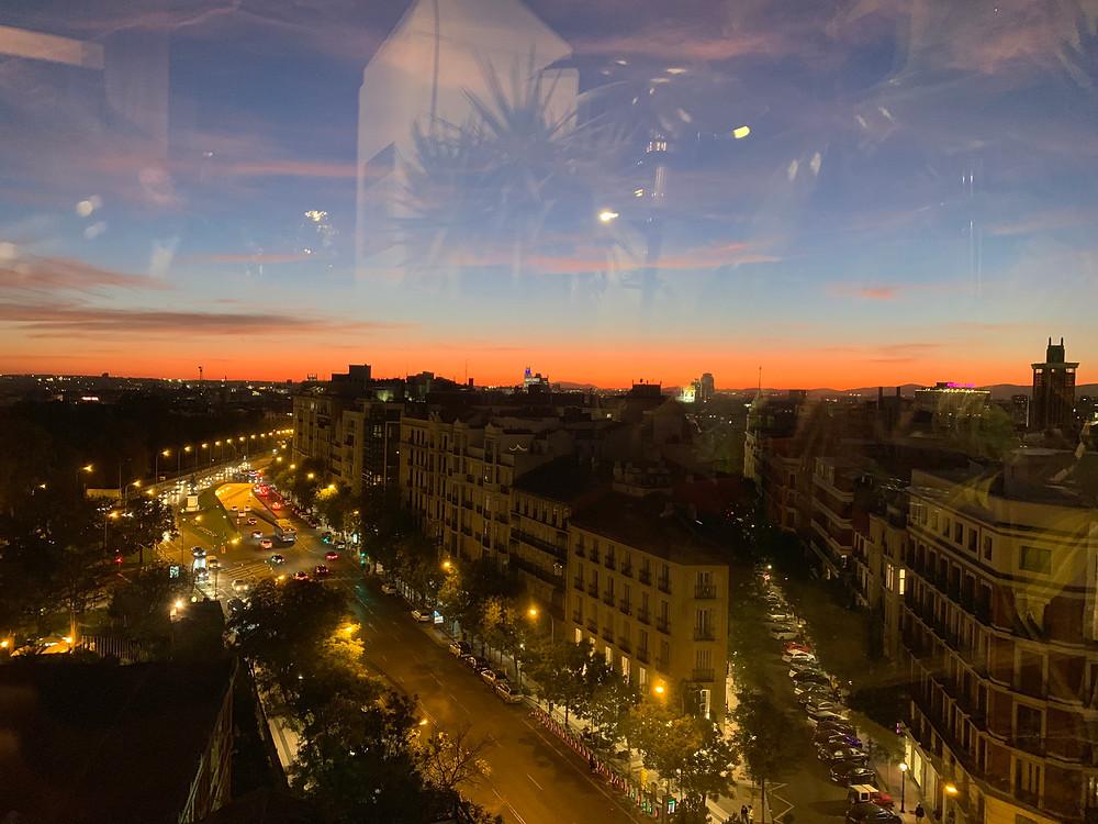 Vue de nuit depuis le rooftop de l'hôtel H10 Puerta Alcala