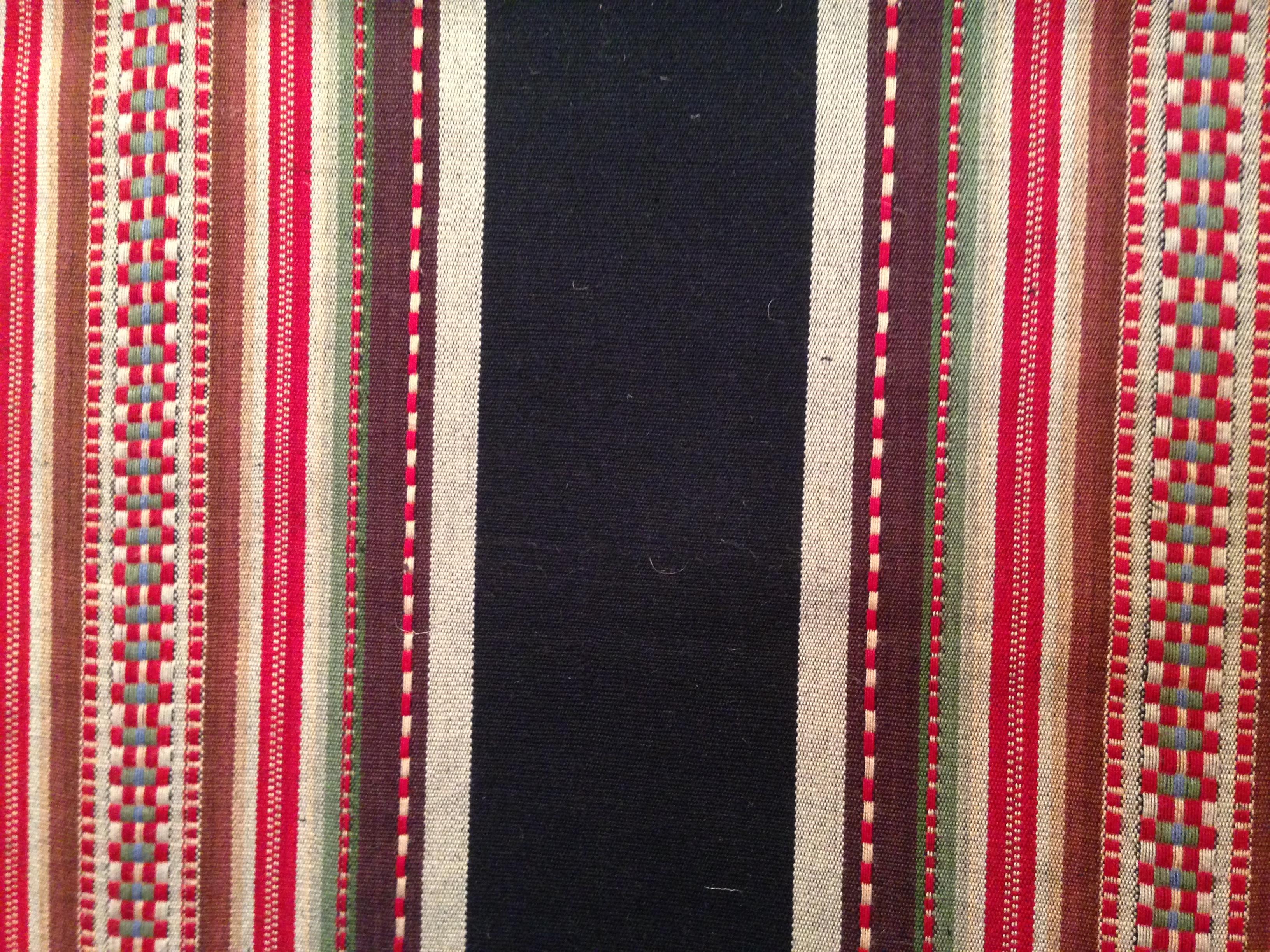 F-16 Navajo red black stripe