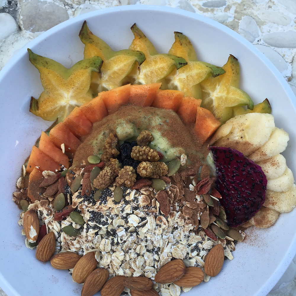 Homemade Green Smoothie Bowl, made by me. You can do the same!