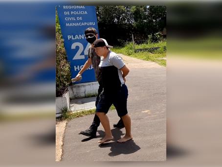 Mulher acusada de tentativa de homicídio contra o padrasto, é presa pela Polícia Civil de Manacapuru