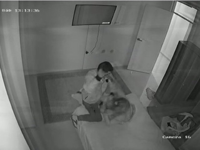 Homem flagra mulher na cama e esfaqueia a companheira até a morte