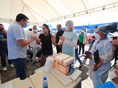 Wilson Lima anunciou ampliação da faixa-etária da vacinação em Manacapuru, para pessoas de 25 anos