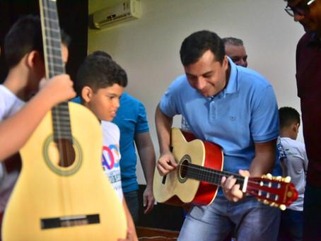 Wilson Lima inaugura unidade do Liceu de Artes e Ofícios Claudio Santoro, em Envira