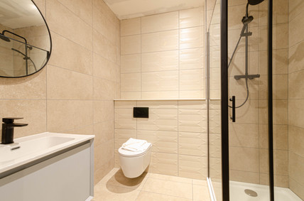 Flat 3 - Bathroom .jpg