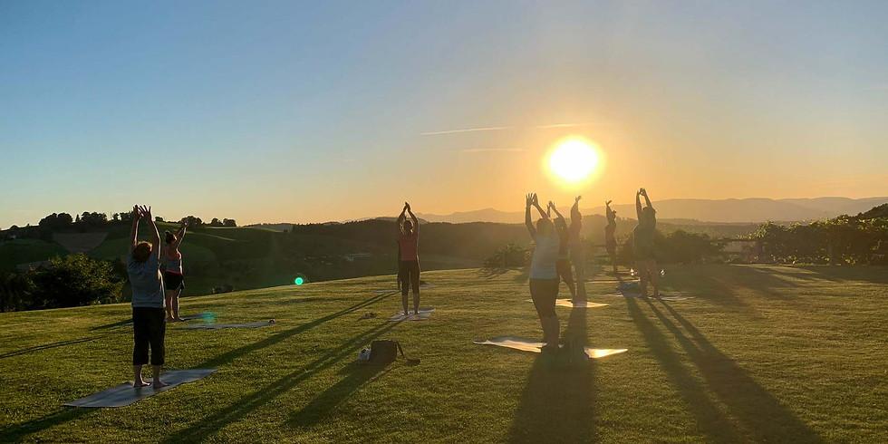 Sunset-Yoga mit Apéro in Fischbach