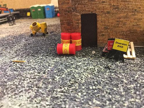 Oil Barrels 1:76 / OO gauge (Red & Yellow)- 12pk