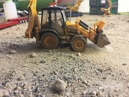 1:76 Oxford diecast JCB backhoe (Weathered + 2 Dummy beacons)