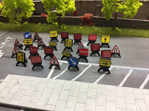 1:76 Laser Cut Plastic Temp Road Work Signs