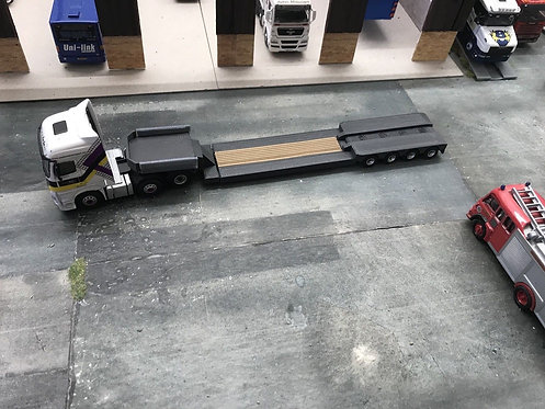 1.76 3D Printed Extendable Low Loader Trailer - Grey
