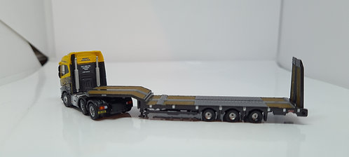 N Gauge Volvo FH4 Semi Low G F Job