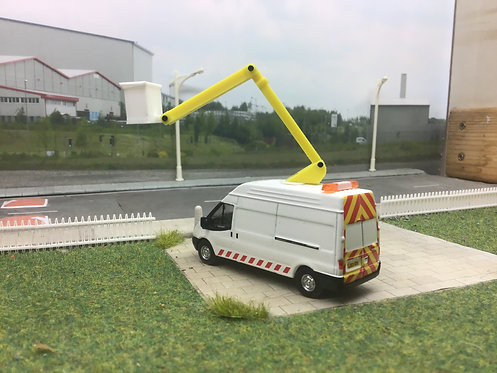1:76 Cherry picker ford transit with chevrons