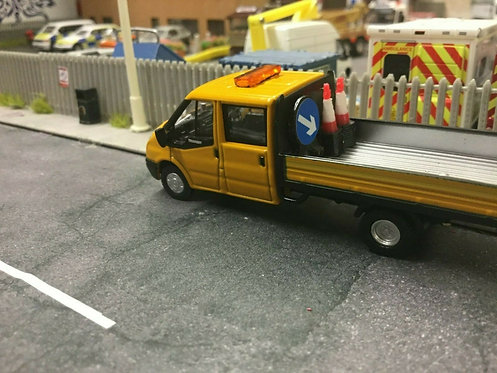 1:76 Code 3 Highway Maintenance  Ford Transit Dropside