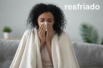 Ella tlene un resfriado.jpeg