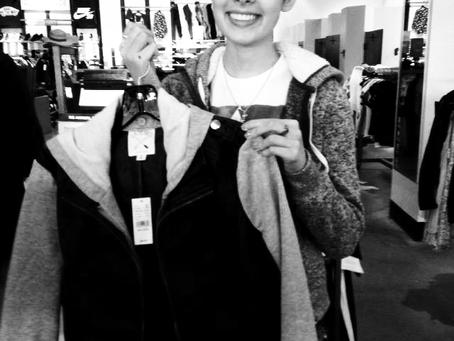 Ellisa Shops 'Til She Drops