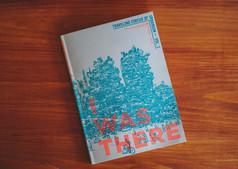 エディター&ライターの杉田真理子さんが手がける世界各地の都市・建築・まちづくりに関する情報や物語を集めるプロジェクト「Traveling Circus Of Urbanism」(https://www.travelingcircusofurbanism.com/)のビジュアルを担当させていただきました。内容から紙質まで素敵な感じで仕上がったので、ぜひ手にとって触れてください^^.今回のZINEでは、世界中のさまざまな都市から8名のアーバニストに声をかけ、「I was there」をテーマにエッセイを書いてもらいました。ベルリン、テルアビブ、ベイルート、フィリピン、愛媛、ニューヨーク、神戸、横浜、ペルーのアマゾン、台北が舞台となっています。 .○Traveling Circus of Urbanism ZINE Volume 1 - I Was Thereサイズ:A5ページ数:96言語:英語 + 日本語翻訳中身:https://www.youtube.com/watch?v=MaSUjHZAGrA注文フォーム:https://is.gd/m7Dpty アーバニスト: Birgit Severin、Tomer Chelouche、Lily Galib、Ralph C. Lumbres、Gaijin Sama、Don Paris Schlotman、Cléo Verstrepen、Akimi OtaChengTao Leeデザイン:Jasper Stephenson編集協力:Haruka Mukai表紙:Riichiro Shinozaki.------------------------------------------------------------.「Traveling Circus of Urbanism(アーバニズムの旅するサーカス)」は、旅と越境、移動のなかで「都市」を観察し、その物語を集めて共有する試みだ。このZINEでは、「I was there(私はそこにいた)」をテーマに、世界中から8名のアーバニストに、同じセンテンスで始まるエッセイを書き下ろしてもらった。夕食を共に囲みながら同じテーマで会話をしているようなスタイルで、個人のパーソナルな経験から、都市の多様な姿を紐解くストーリーテリングの試みだ。.世の中は、コロナ禍の外出自粛と渡航制限の時代。家で過ごす時間が増えて、都市はずいぶん静かになってしまった。ふらりとどこかに旅に出て、知らない土地で知らない文化に触れる自由は絶たれ、何事もオンラインで完結してしまう。「ここではないどこか」への想像力や、「ここにいる」「あそこにいた」という場所感覚が、どんどん希薄になってしまってはいないか。そんな時私は、誰かの、個人的で些細な、ちょっとしたエピソードに耳を傾けたいなと思う。.テルアビブでバスの到着を待つ都市コンサルタント。愛媛の限界集落で住み込みの研究を行うフランス人学生。ジェントリフィケーション前のベルリンに想いを馳せるデザイナー。「I was there(私はそこにいた)」から始まる個々のエピソードから、彼らの愛する都市について、こっそり教えてもらった。 .