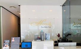 Hanna Shopfront New.jpg