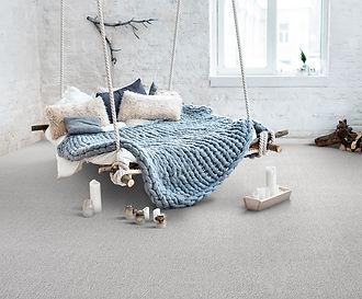 Buechi_Boden_Schweiz_Lano Carpet_Tufting_Teppichboden_Bahnenware_SmartStrand_Velours_Wohnbereich_Hotellerrie_Euphoria-880-Perlgrau