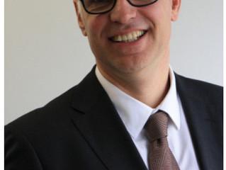 Tom Van de Woestijne -                  Authentiek Leiderschap: Aandacht voor voor Klanten én Medewe