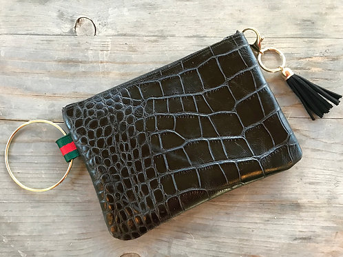Croc wristlet with color strap