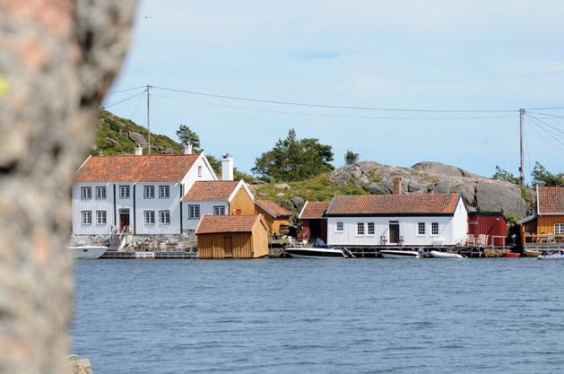 Tønnevolds hus, til venstre, er blant de eldste i Ny-Hellesund