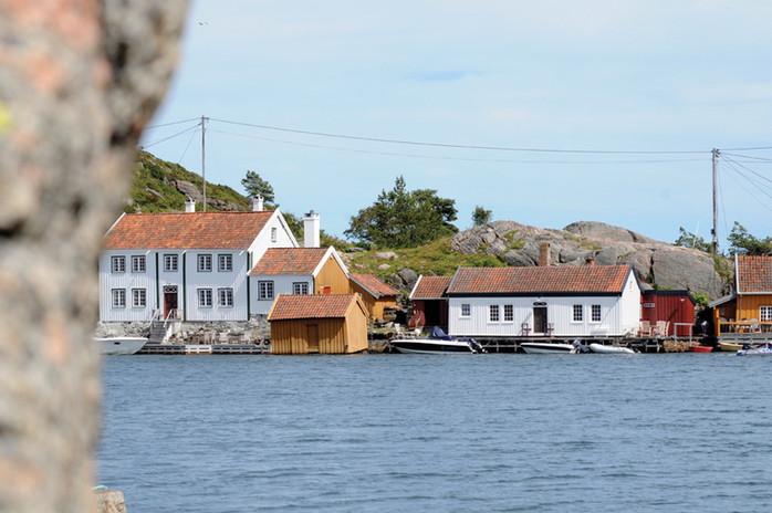 Tønnevolds hus til venstre