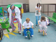 Onri in a race with kids