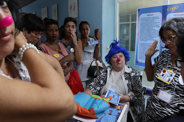 Molly presents at the first 'Cuban Congress of Therapeutic Clowns: Art and Health' in Havana, Cuba.