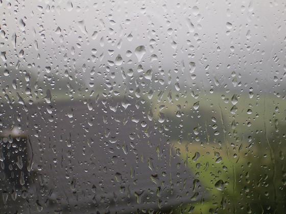Window Cleaning Myths: Rain Makes Windows Dirty