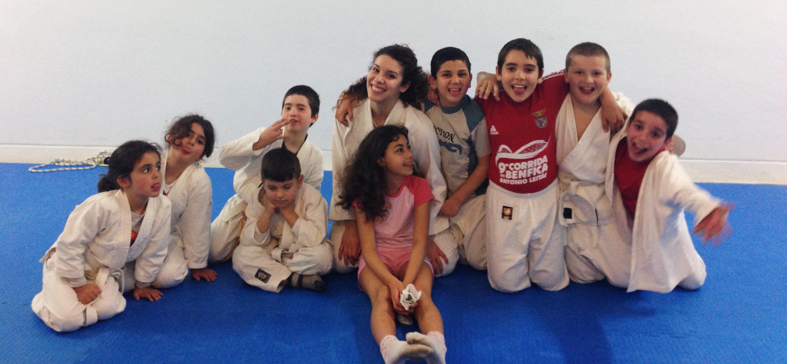 Aulas Crianças (06-12)