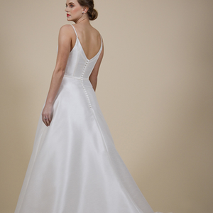 Tania by Catherine Parry at Lief Bridal