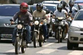 Maioria de motociclistas que sofrem acidentes de trânsito são jovens