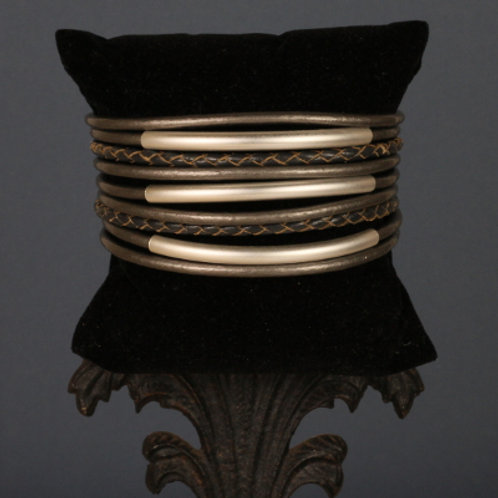 2884—Medea Bracelet