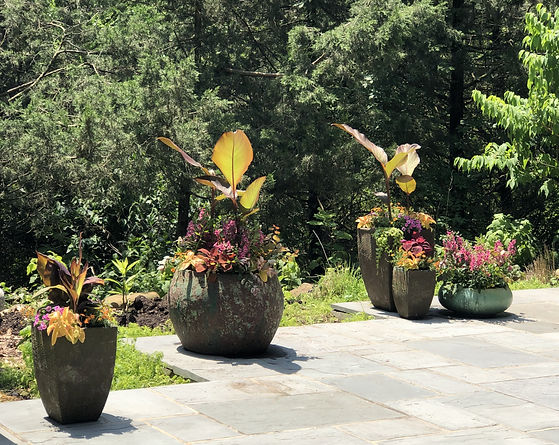 outdoor commercial planters