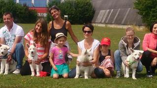 Die A'chen bei ihren Familien (4-5 Monate)