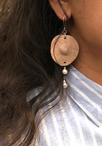 Single Nip-Pearl earring with double pearl in Nude