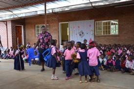 Theatervorführung des Kindergartens Madisi