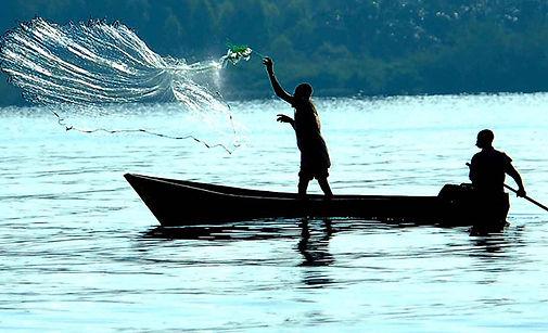 Fishing-on-Lake-Victoria-Uganda.jpg