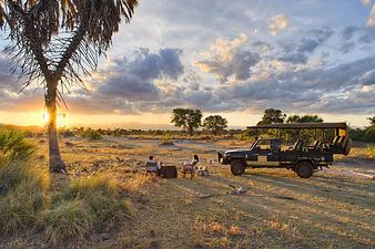 sunset-dinner-meru-national-park-kenya-t