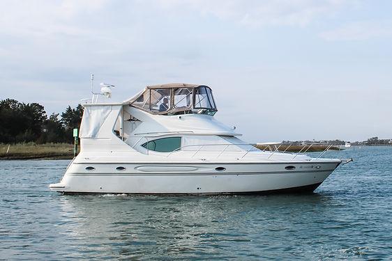 Maxum Motoryacht.JPG
