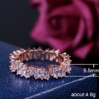 Staggered Stone Finger Ring