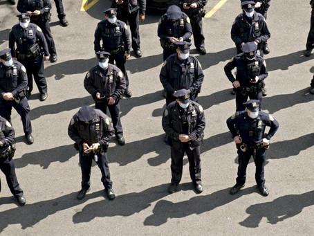 Количество полицейских Нью-Йорка, уволившихся или вышедших на пенсию в 2020 году, выросло на 75%