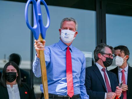 Мэр Нью-Йорка планирует снять все коронавирусные ограничения с 1 июля