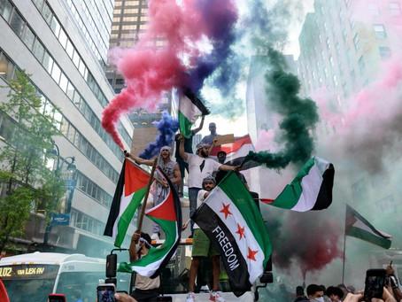 В еврейском квартале Нью-Йорка сторонники Палестины взорвали «мини-зажигательную бомбу»