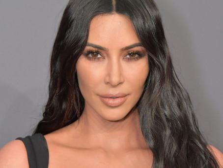 Ким Кардашьян решила раздать своим подписчикам по $500