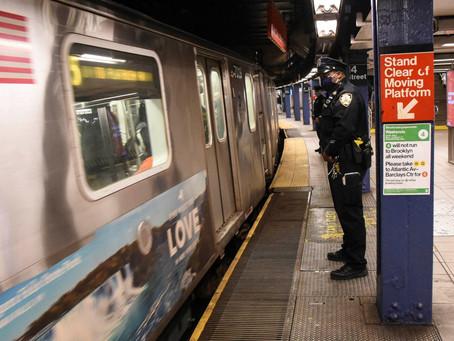 В метро Нью-Йорка были ранены три пассажира в разных инцидентах, произошедших в течение 12 минут