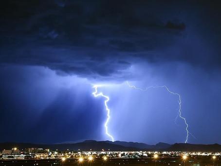 На восточное побережье направляется сильный шторм