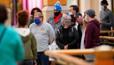 Вакцинированным жителям США разрешено неносить маски инесоблюдать дистанцию